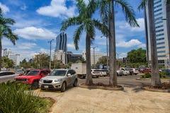 亚松森的现代部分,有安置商城的其中一的双塔 亚松森是Parraguay的首都 免版税图库摄影