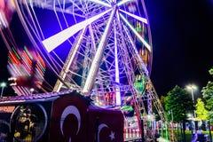 亚洛瓦市在夏夜里-土耳其游艺集市  免版税图库摄影