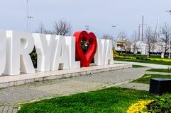 亚洛瓦市-土耳其街道有镇商标的 图库摄影