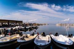 亚洛瓦马尔马拉-土耳其的小游艇船坞和海口 库存照片