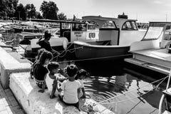 亚洛瓦马尔马拉-土耳其的小游艇船坞和海口 免版税图库摄影