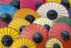 亚洲五颜六色的纸伞 免版税库存照片