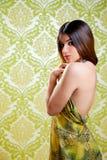 亚洲人回到美丽的礼服女孩印第安性感 免版税图库摄影