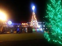 亚洲圣诞节装饰购物中心  库存照片