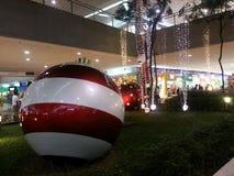 亚洲圣诞节装饰购物中心  免版税库存照片
