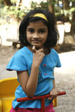 亚洲女孩公园使用 免版税库存照片
