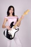 亚洲女孩吉他 免版税库存图片
