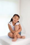 亚洲女孩纵向甜点 免版税库存图片