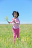 亚洲孩子运行中 免版税库存照片