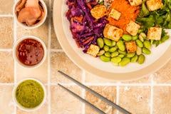 亚洲样式辣素食主义者或素食主义者豆腐沙拉 库存照片