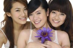 亚洲美丽的女孩 免版税库存照片