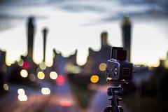 亚特兰大街市在blured背景中 免版税库存图片