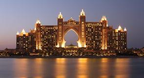 亚特兰提斯旅馆在晚上,迪拜 库存图片