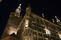 亚琛市德国大厅晚上 免版税库存照片