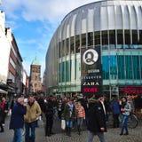 亚琛,德国- 2015年10月28日:新的AQUIS广场购物中心在亚琛开放 免版税图库摄影