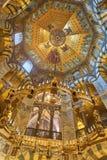 亚琛主教座堂的八角形物型内部 图库摄影