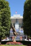 亚瑟Ashe体育场在比利・简・金国家网球中心准备好美国公开赛比赛 免版税库存照片