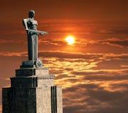 亚美尼亚母亲雕象 免版税库存照片