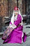 亚美尼亚民间衣物的画象美丽的夫人 图库摄影
