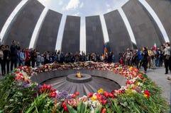 亚美尼亚种族灭绝纪念复合体亚美尼亚4月24日2015年,耶烈万 免版税库存照片