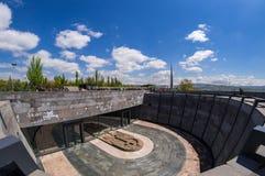 亚美尼亚种族灭绝纪念复合体亚美尼亚4月24日2015年,耶烈万 图库摄影