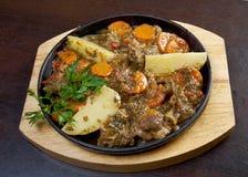 亚美尼亚羊羔炖煮的食物 免版税库存图片