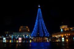亚美尼亚耶烈万中央共和国正方形新年点燃 免版税库存图片