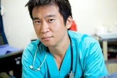 亚裔医生 免版税库存图片