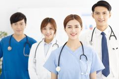亚裔医疗队、医生和护士 免版税库存照片
