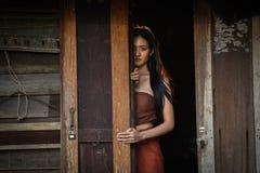 亚裔在泰国戏曲的妇女泰国礼服 图库摄影