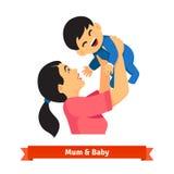 亚裔妈咪在手上的阻止她的婴孩在头顶上 免版税图库摄影