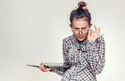 亚裔常设妇女 免版税库存照片