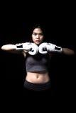 亚裔拳击手女性 免版税库存图片