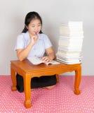 亚洲泰国学生考虑 库存图片
