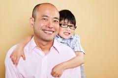 亚裔父亲和儿子 库存照片