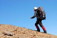 亚裔登山人 免版税库存图片