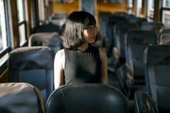 亚裔种族逗人喜爱的俏丽的样式女孩女性年轻概念 免版税库存图片