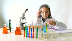 亚裔美国人儿童科学家 影视素材