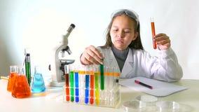 亚裔美国人儿童科学家 股票视频