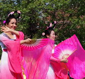 亚裔舞蹈演员 免版税库存照片