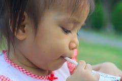 亚裔婴孩 免版税图库摄影