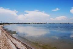 亚速号海海景  没人在海滩 美丽的海岸 库存照片