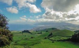 亚速尔的一个绿色风景 免版税库存图片