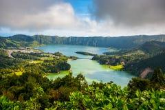 从亚速尔群岛圣地米格尔海岛Sete Sete Cidades的美好的风景风景 免版税库存照片