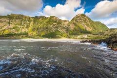 亚速尔群岛风景在弗洛勒斯海岛 瀑布在Pozo da Alagoin 免版税库存图片