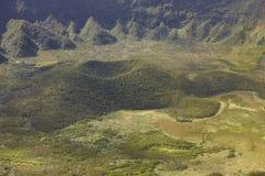 亚速尔群岛风景在Faial海岛 Caldeira重创的火山的锥体 免版税库存图片