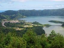 亚速尔群岛ilslands山和湖葡萄牙 库存照片