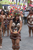 从亚马逊地区的土产女性舞蹈家 库存图片