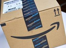 亚马逊最初运送箱 库存照片