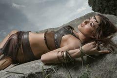 亚马逊美丽的战士妇女年轻人 图库摄影